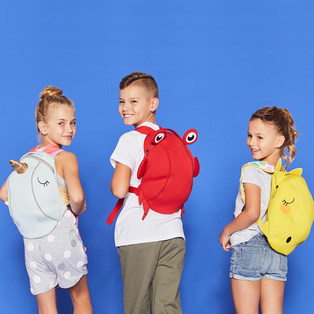 tas met dier eenhoorn crab giraffe kinderen jongens en meisjes school